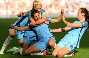 watch carli lloyd score as manchester city women cruise in fa cup final
