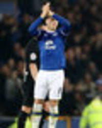 morgan schneiderlin begs ross barkley to stay at everton