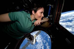 astronaut samantha cristoforetti on tweeting from space and brewing the first zero-g espresso