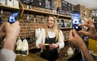restaurants and cafes now take up one in five retail units