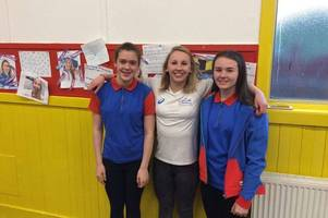 commonwealth games athlete corrie scott visits guides