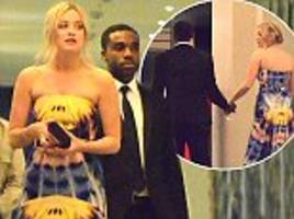 laura whitmore arrives at london hotel with ore oduba