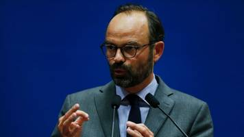 macron appoints centre-right mayor edouard philippe as prime minister