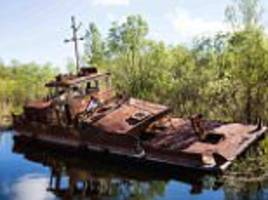 thomas windisch photographs shipwrecks of chernobyl