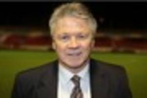 Steve Perryman calls on Exeter City's home fans to produce...