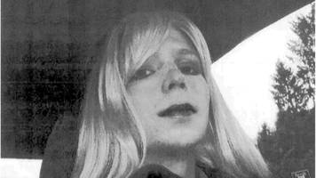 chelsea manning: mother 'delighted' at prison release