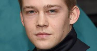 Joe Alwyn Wiki: Age, Instagram, Movies, Pics & Facts about Taylor Swift's New Boyfriend