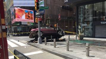 At Least 1 Dead After Car Crashes Into Pedestrians In Times Square