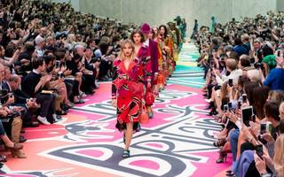burberry profits fall as christopher bailey prepares to step back