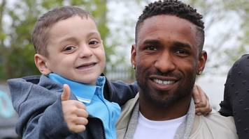 party to celebrate cancer boy bradley lowery's sixth birthday