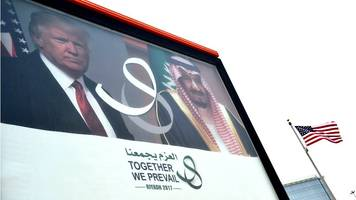 Trump heads for Saudi Arabia on first foreign tour