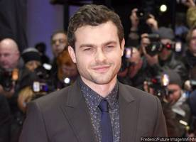 first photo of alden ehrenreich as young han solo arrives