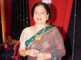 bollywood's 'favourite mother' reema lagoo dies aged 59