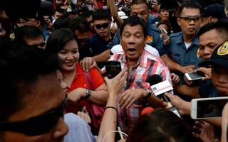 philippines president duterte bans smoking in any public place
