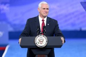 Amid White House crisis, Pence tries to avoid political fray