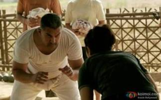 Aamir Sets A New Record | 500 Crores For Dangal In China