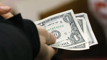 a quarter of american adults can't pay all their monthly bills; 44% have less than $400 in cash