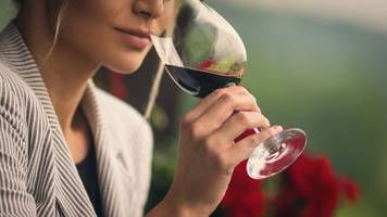 'half a glass of wine every day' increases breast cancer risk