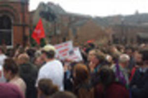 Live updates as Jeremy Corbyn holds rally in Zebedee's Yard, Hull