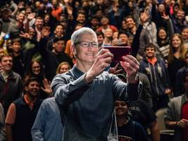 The iPhone 8 could push Apple closer to a lofty milestone by the end of the decade (AAPL)