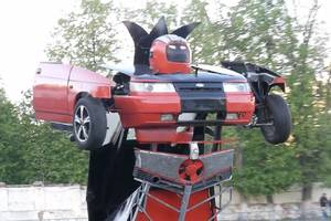 Russian father and son turn car into working Transformer that fires guns
