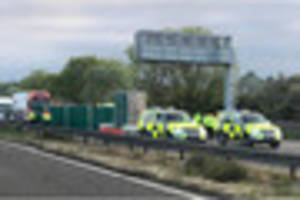 M6 in Stoke-on-Trent closed after 5 people die in accident...
