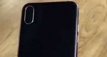 Video of Apple iPhone 8 Mockup Reveals Vertical Dual-Lens Setup on the Rear