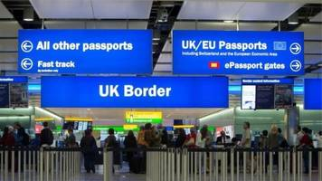 net migration to the uk falls to 248,000 in 2016