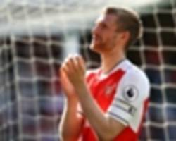 'arsenal win over chelsea would be a shock, mertesacker is playing!'