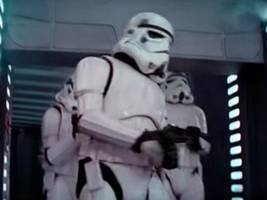 the head-banging stormtrooper from 'star wars' explains the infamous blooper