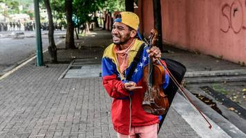 venezuela's violin protester shown outpouring of kindness