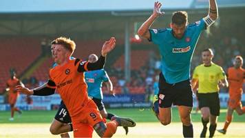 Watch: Dundee Utd's Murray sees red for two bookings - both for diving
