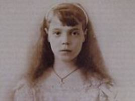 russian duchess' letters show fear for romanovs' safety