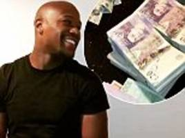 Floyd Mayweather flaunts wealth with Instagram video