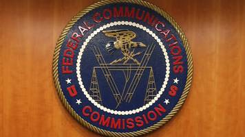 net neutrality: 'dead people' signing fcc consultation