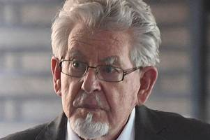 jury in rolf harris trial retires to consider verdict