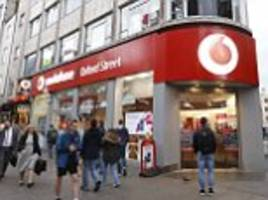 Vodafone and EE voted worst mobile networks by customers