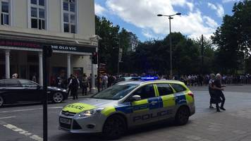 old vic theatre in london evacuated after bomb threat