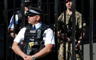 armed police to patrol big events on fa cup final day in london