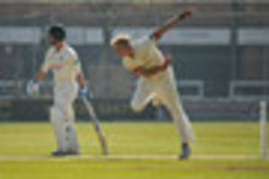 leicestershire made to struggle as derbyshire post big total