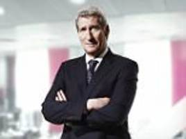 jeremy paxman says the bbc should scrap licence fee