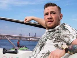 another boxing icon's ready for conor mcgregor if floyd mayweather won't lace up [video]