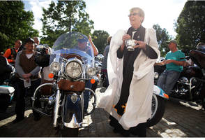 project hero and rolling thunder: motorcycle riding veterans in d.c.