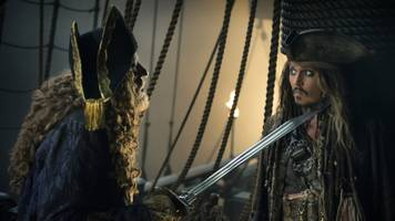 'pirates of the caribbean' sails to the top of the box office