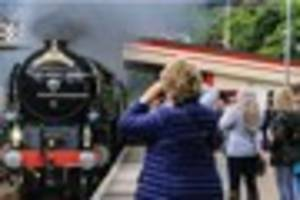 Crowds out in force to see Tornado haul The Cornishman to...