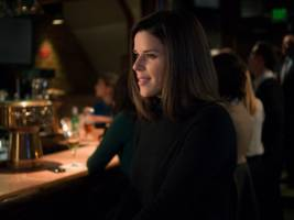 neve campbell: the similarities between 'house of cards' and trump are 'accidental'