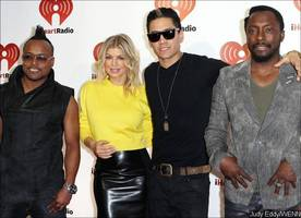 is fergie 'kicked out' of black eyed peas?