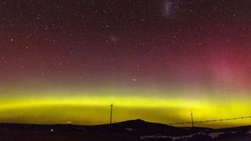 southern lights dance across skies of australia and new zealand