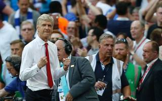 wenger set to remain at arsenal after verbally agreeing to stay
