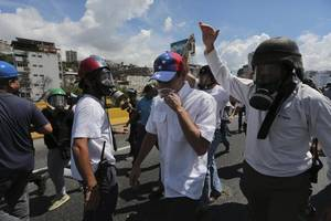 Opposition Leader Capriles Tear-Gassed During Protest in Caracas